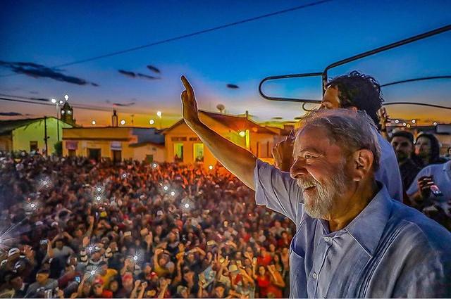 """""""En las caravanas que hice recientemente por Brasil, vi la esperanza en los ojos de las personas"""", escribió el ex presidente - Créditos: Ricardo Stuckert"""