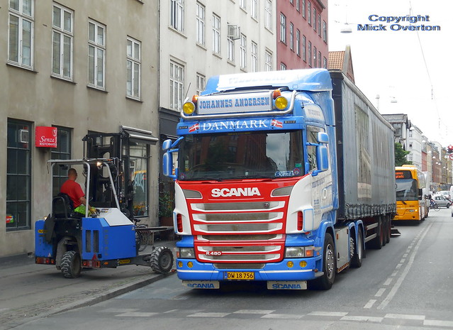 Scania R480 DW18756 is, Nikon COOLPIX S6800