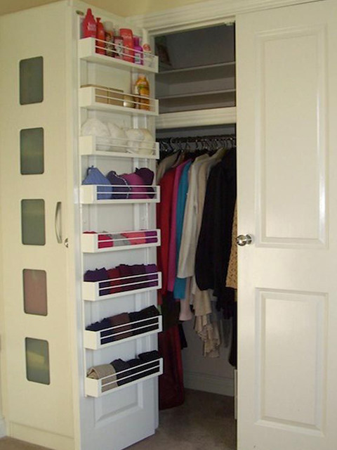 Genius Tips on How to Organize a Small Closet