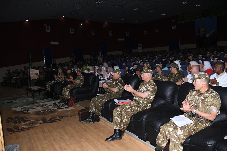 الجزائر : صلاحيات نائب وزير الدفاع الوطني - صفحة 21 42433273581_20822cf98b_b