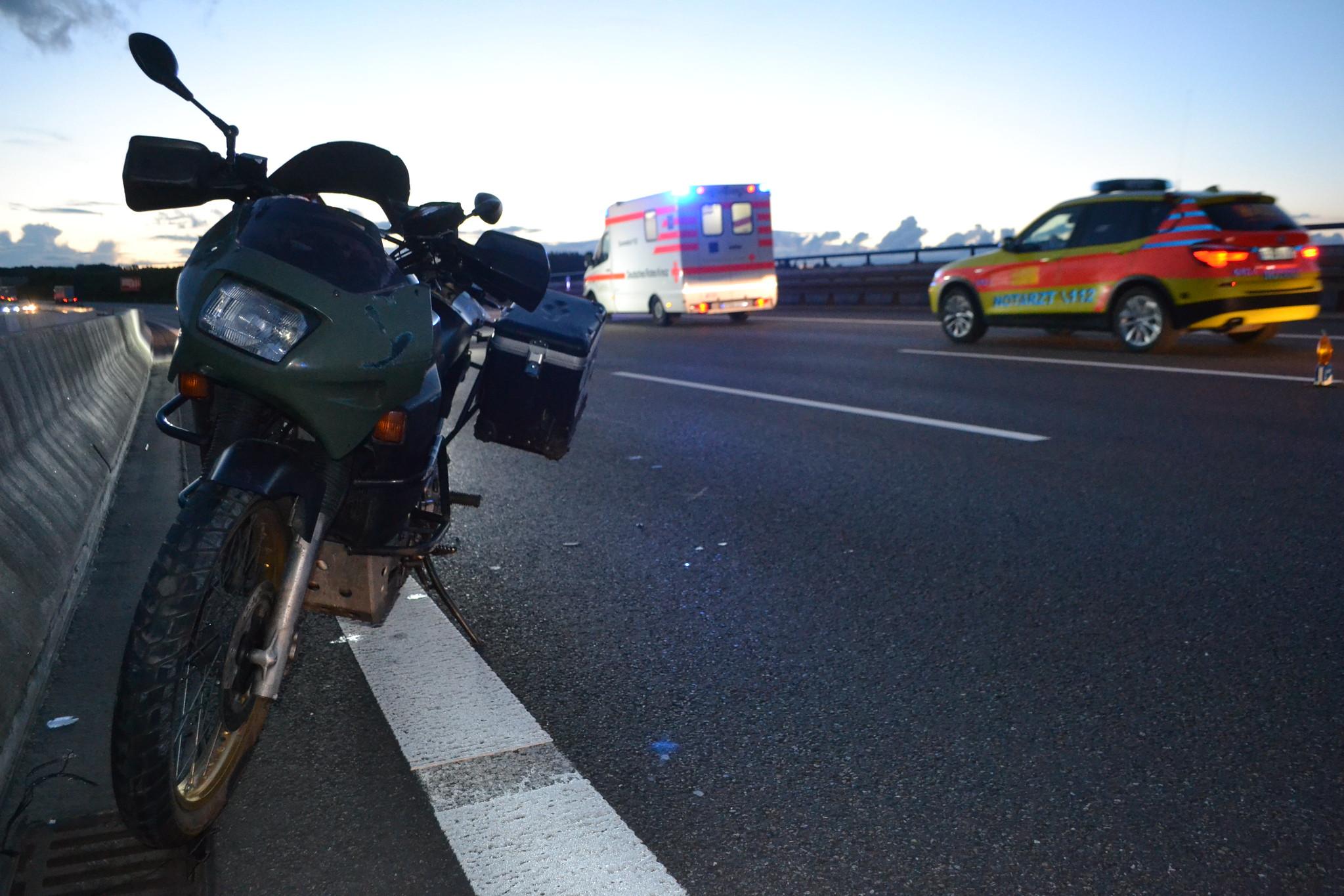A8: Motorradfahrer gestürzt - 01.06.2018