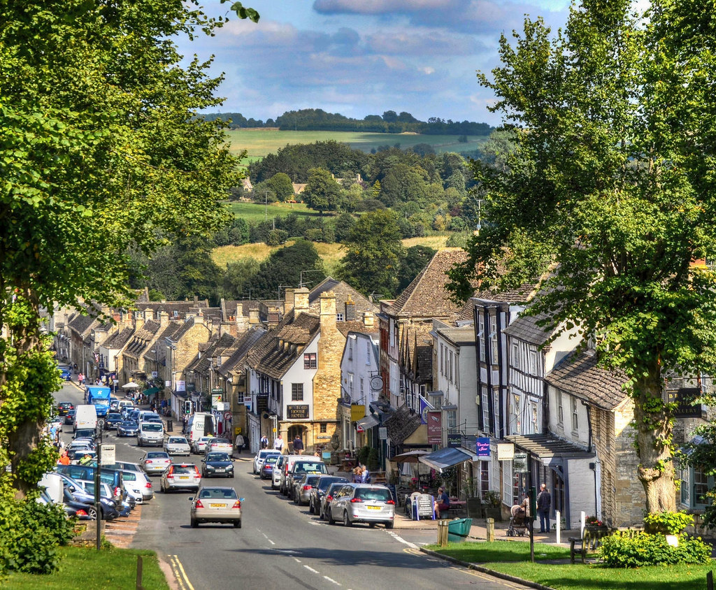 Burford, Oxfordshire. Credit Baz Richardson, flickr
