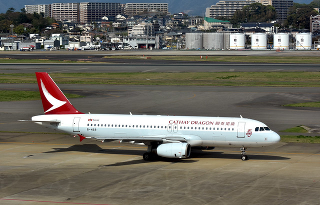 Cathay Dragon, B-HSR, Airbus A320-232 at FUK