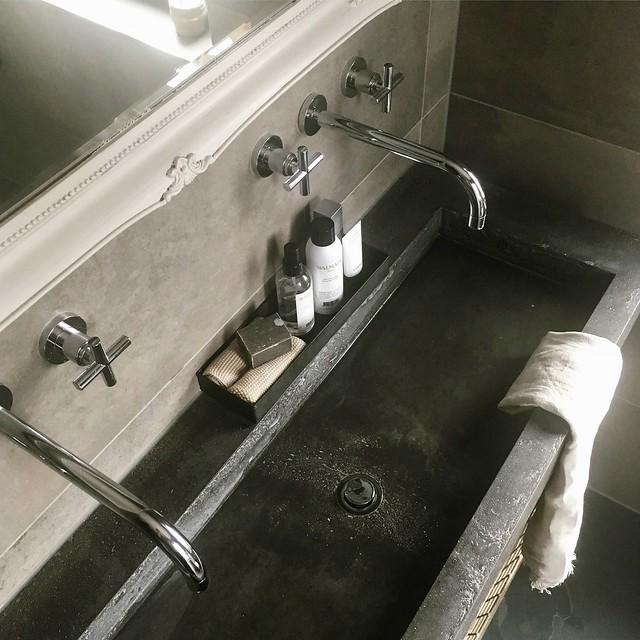 Wastafel badkamer beton ciré