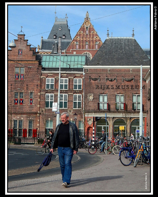Museumplein Amsterdam amsterdammers Netherlands Amsterdã Países Baixos Holanda holandeses