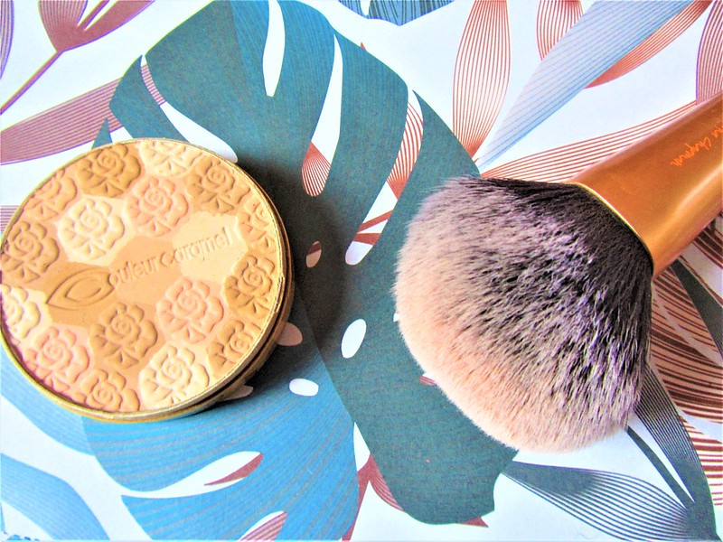 couleur-caramel-make-up-teint-poudre-mosaique-thecityandbeauty.wordpress.com-blog-beaute-femme-IMG_0620 (3)