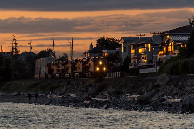 BNSF Sunset, Nikon D7100, AF-S DX Nikkor 18-140mm f/3.5-5.6G ED VR