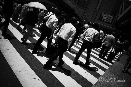 GR2作例:大阪駅付近の横断歩道