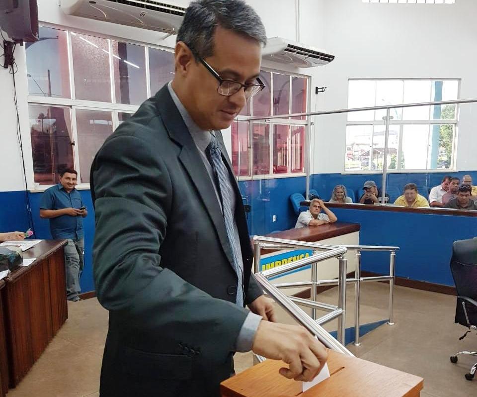 Câmara derruba veto do prefeito e libera bebida alcoólica no Colosso do Tapajós, Jardel Guimarães