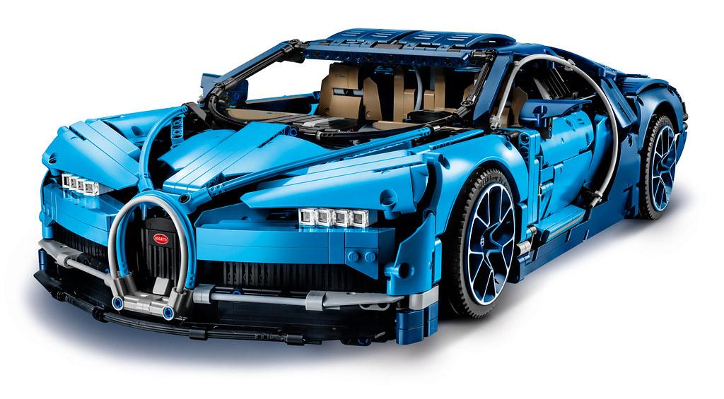 LEGO Technic Bugatti Chiron (42083) 7
