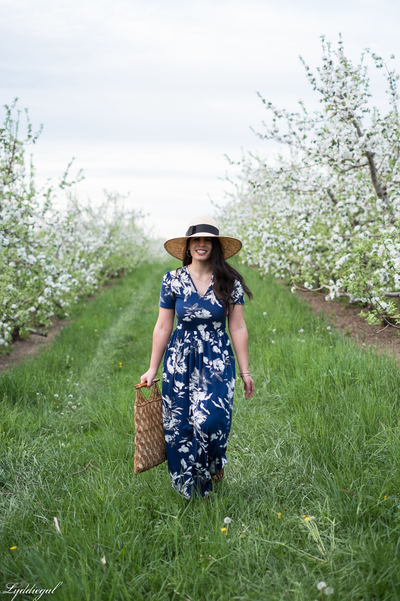 Blue and white floral maxi dress, straw sun hat, macrame bag, apple orchards-26.jpg