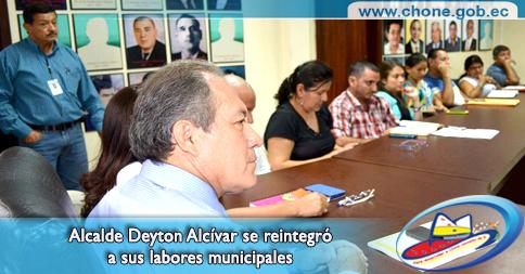 Alcalde Deyton Alcívar se reintegró a sus labores municipales