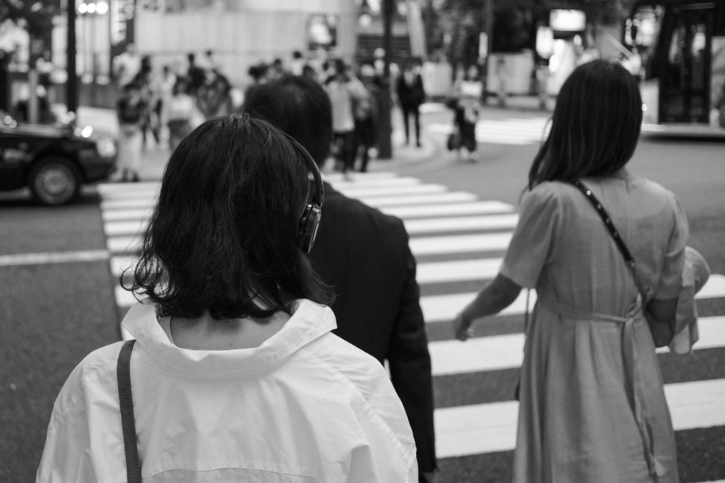 「写真 若者 渋谷徘徊」の画像検索結果