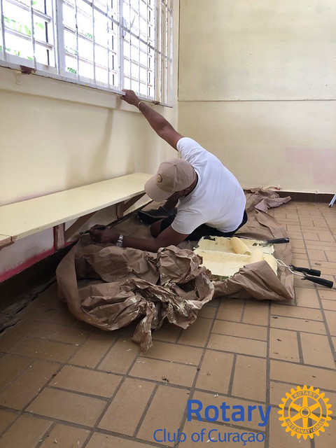 Helping hands at work for Juan Pablo Duarte School in Montaña