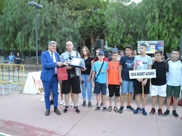 Premiazione Prefetto squadra albanese