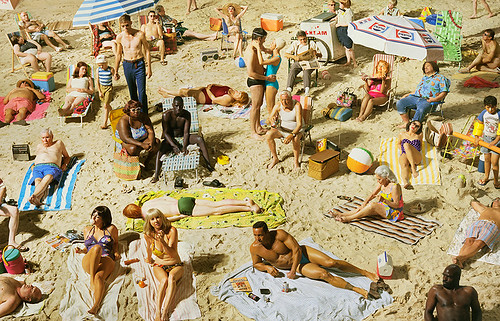 01_Press-Image-l-Alex-Prager,-Crowd-#3-(Pelican-Beach),-