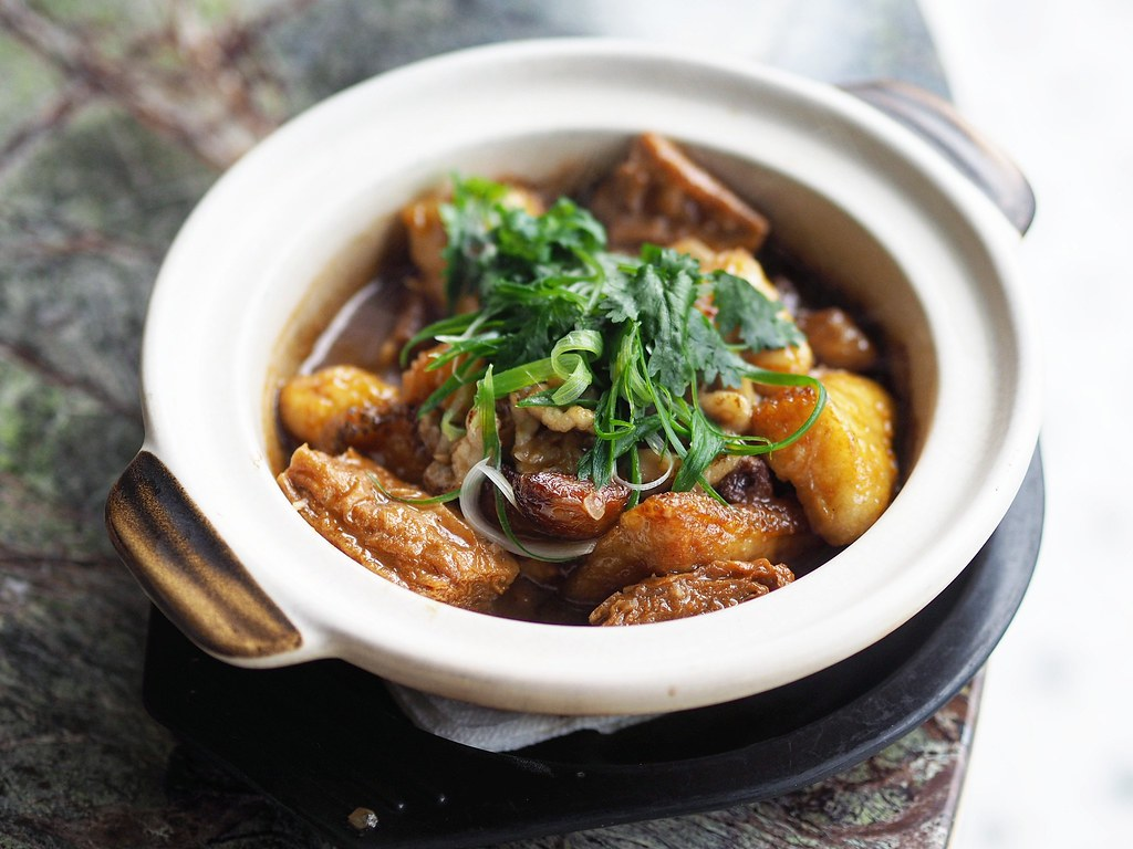 Braised Garoupa with Beancurd in Claypot 1