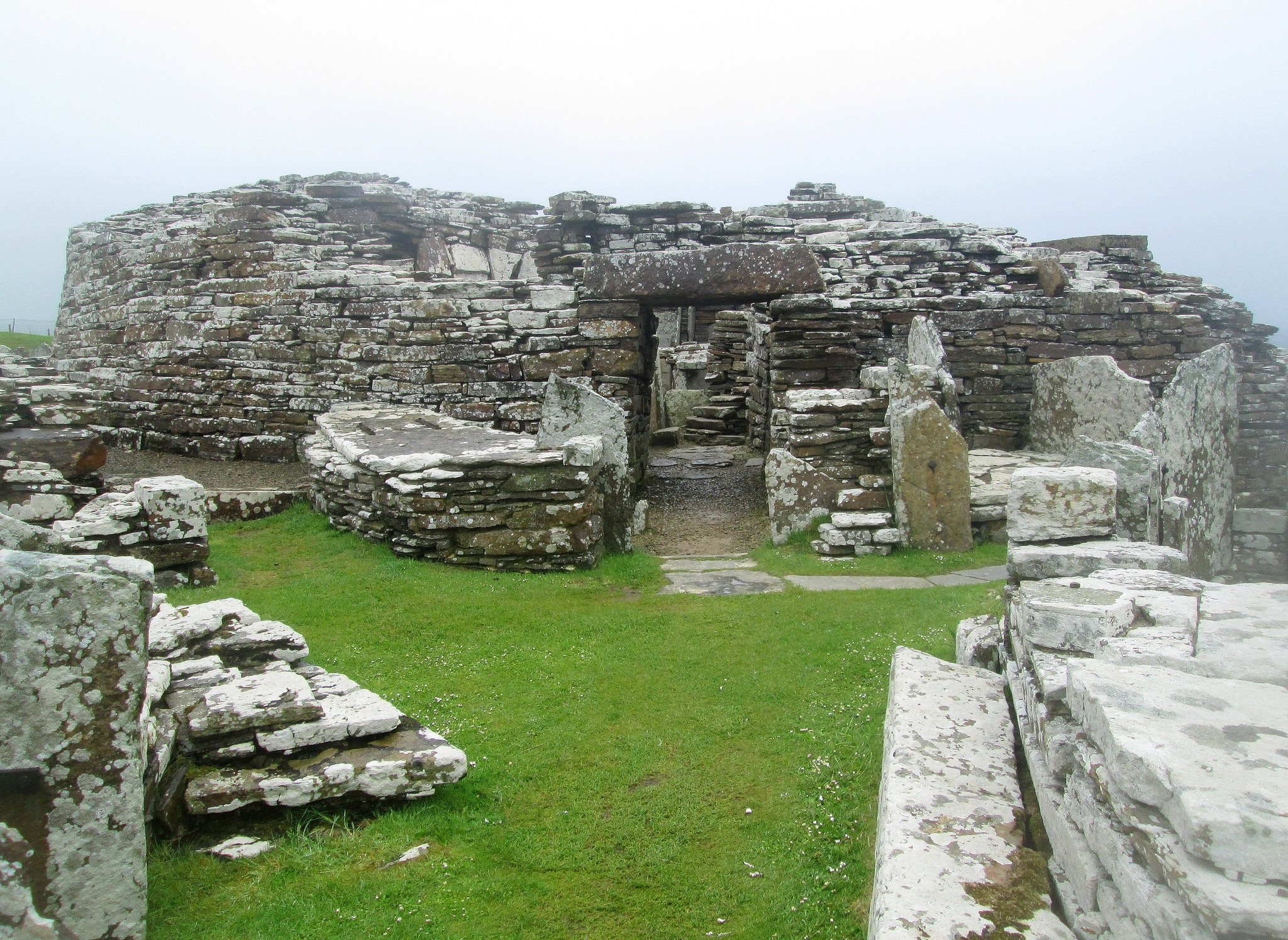 Broch of Gurness, Entrance