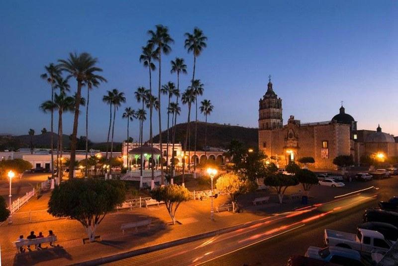 Plaza Principal de Alamos Sonora