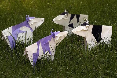 Origami Cow (Gen Hagiwara)