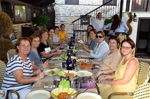Alanya-Kadınları-Yardımlaşma-Derneği-üyeleri-(2)