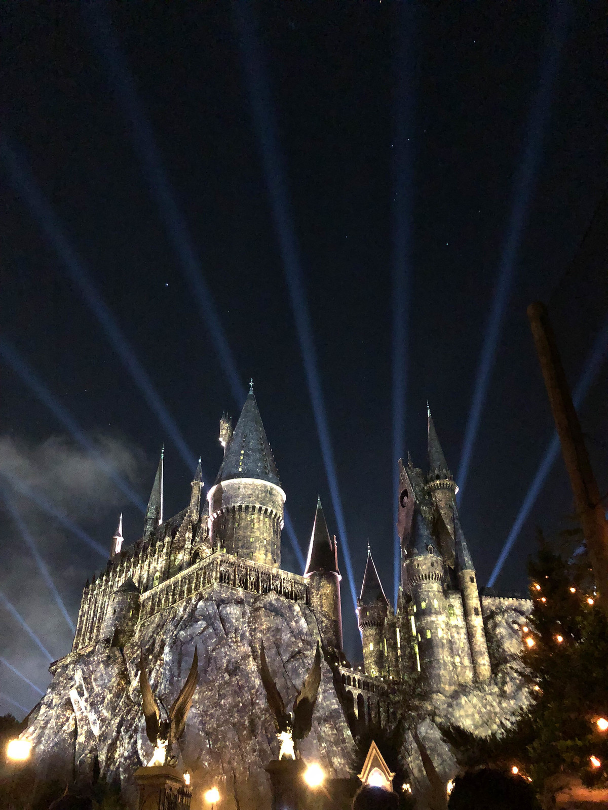 Hogwarts Nighttime Wizarding Lightshow World of Harry Potter Universal Studios Island of Adventure Orlando Florida