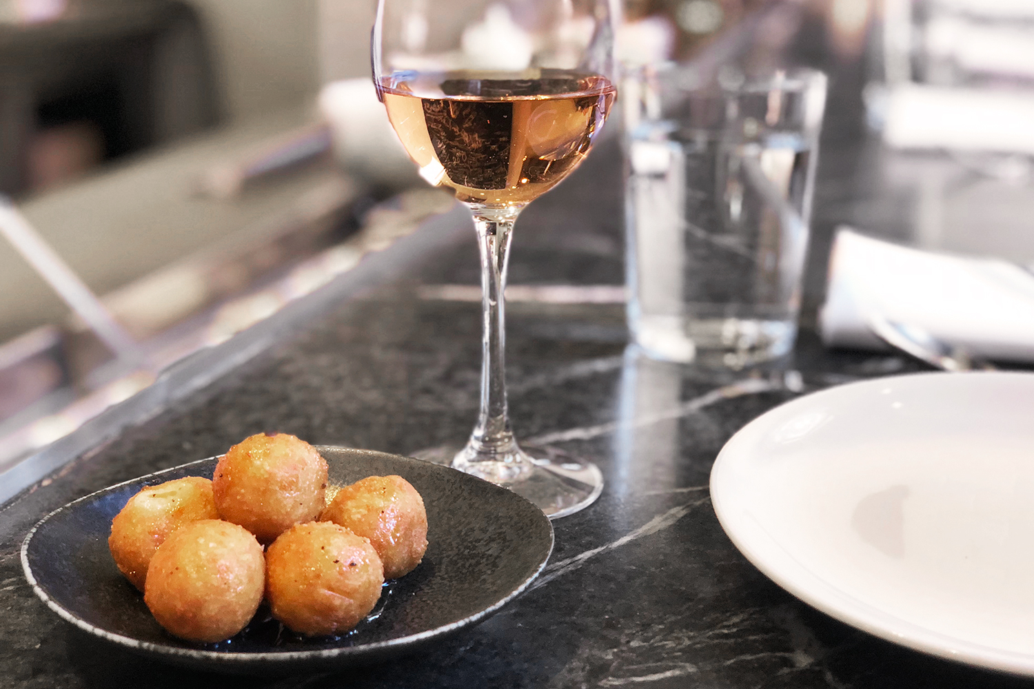 04commissary-sf-food-dining-rose-cheeseballs