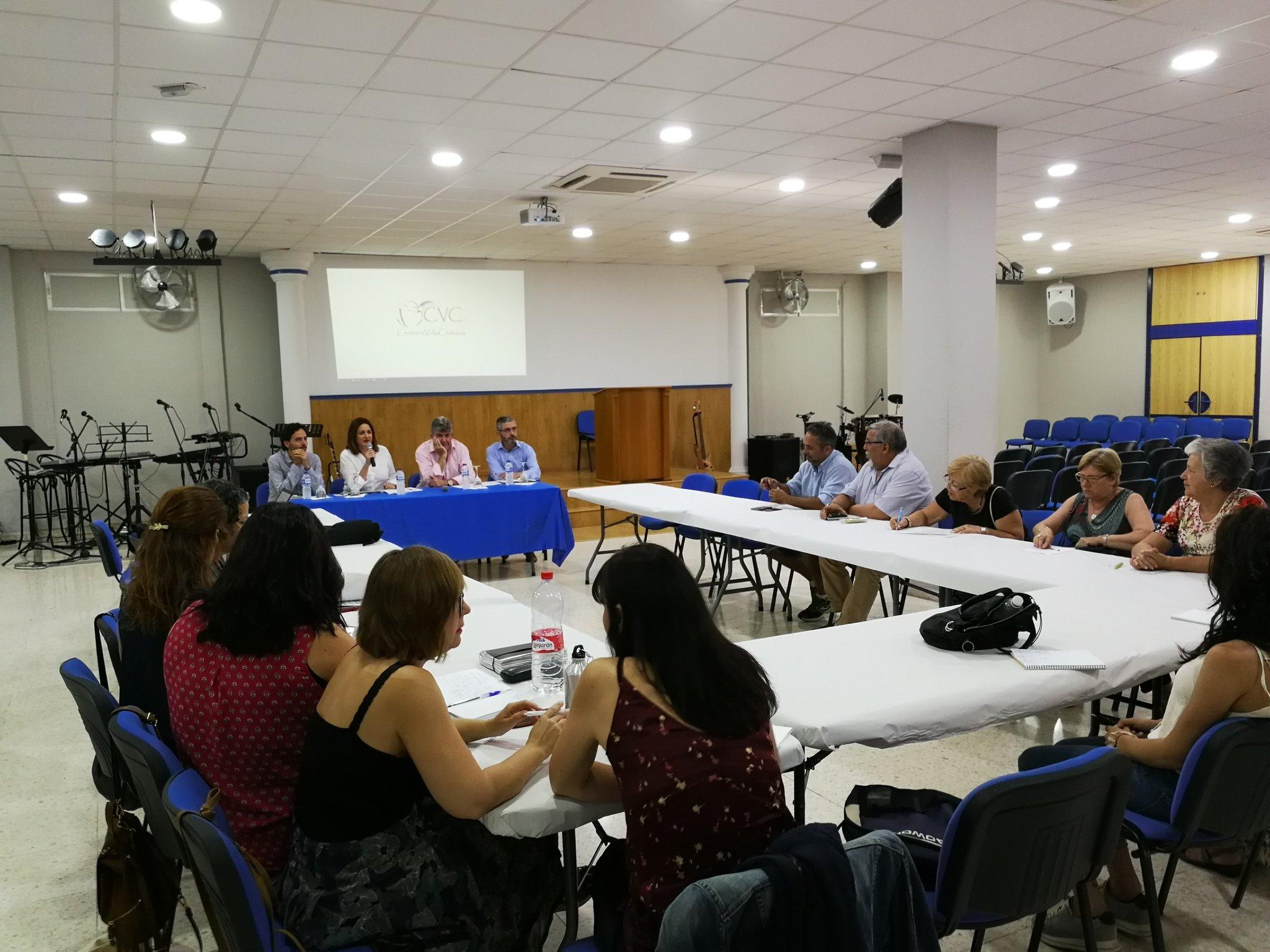 Realización de talleres para asesorar sobre ahorro energético en hogares vulnerables