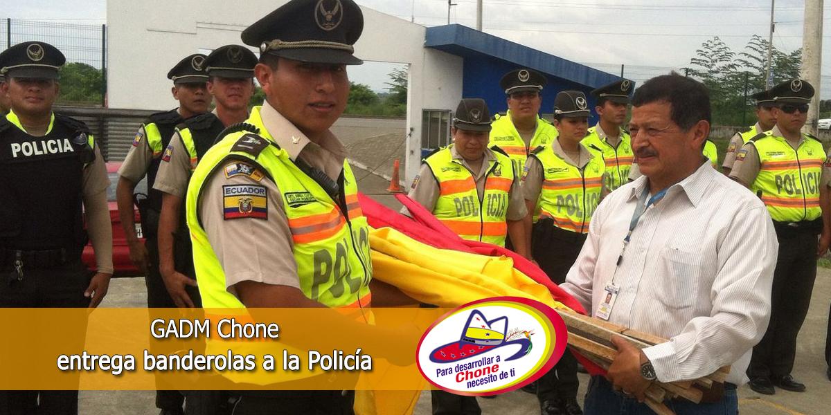 GADM Chone entrega banderolas a la Policía