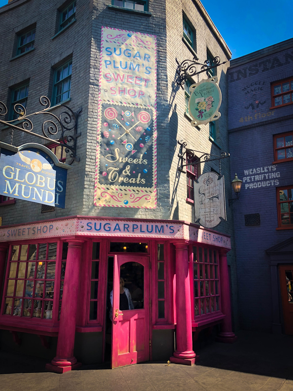 Sugarplums Diagon Alley Wizarding World of Harry Potter Universal Studios