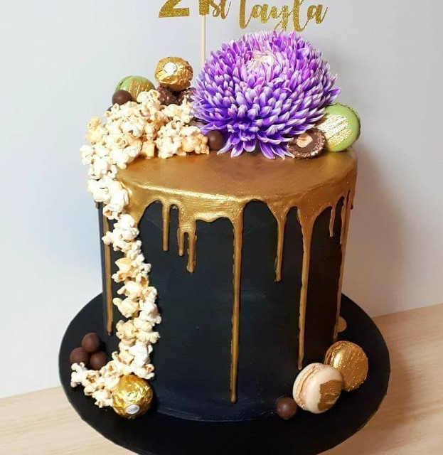Cake by Magnificent Mouthfuls Cupcakes & Cakes Townsville