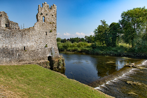 ireland emeraldisle travel europe landscape lake castle abandonment history ocean