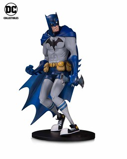 "穿長襪的蝙蝠俠實在太潮了~~ DC Collectibles DC Artists Alley【蝙蝠俠 by Hainanu ""Nooligan"" Saulque】Batman by Hainanu ""Nooligan"" Saulque 全身雕像作品"
