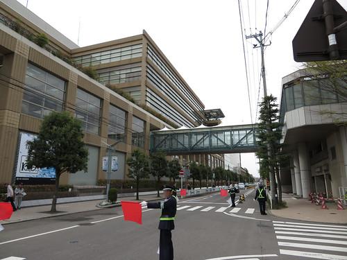 福島競馬場と第一駐車場をつなぐデッキ