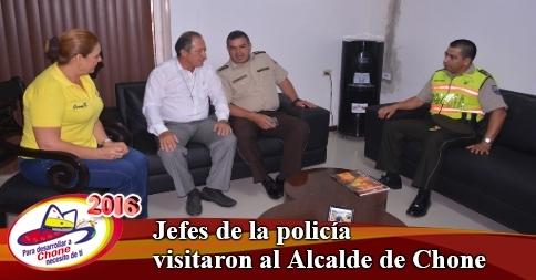 Jefes de la policía visitaron al Alcalde de Chone