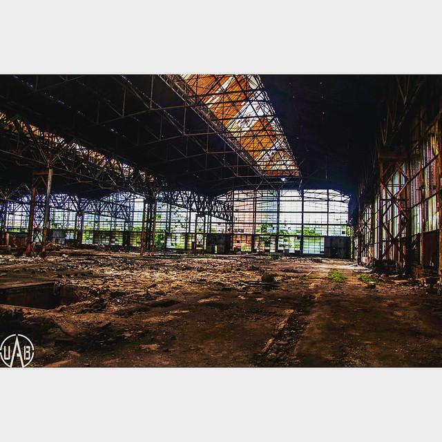 Republica - un complex industrial lăsat în paragină