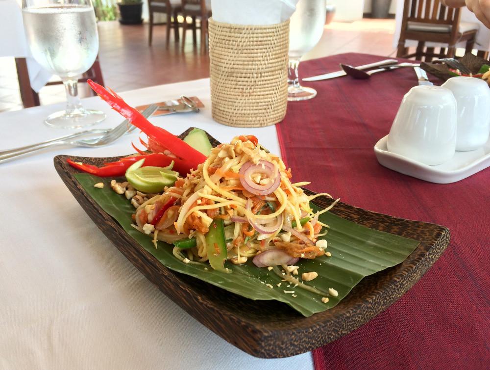 Treson Cafe Mango Salad