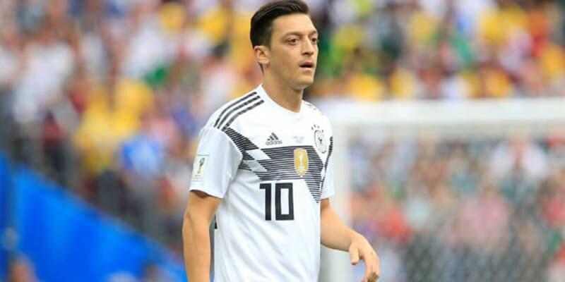 Mesut Ozil Bangga Bela Jerman Biarpun Jadi Pemain Cadangan