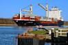 """Frachtschiff """"Balkan"""" auf dem Nord-Ostsee-Kanal bei Fähre Fischerhütte"""