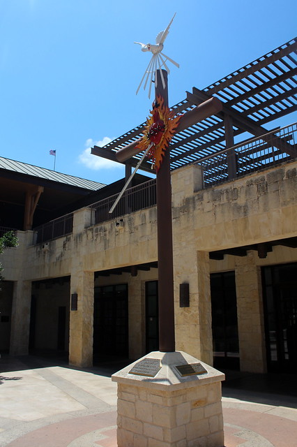 San Antonio - Downtown: San Fernardo Cathedral Courtyard - Pentecost Cross