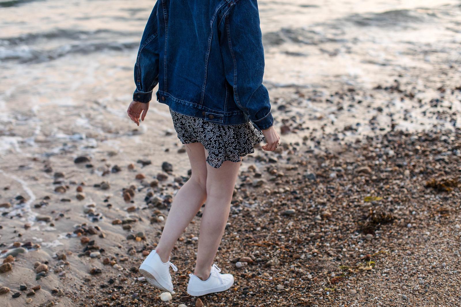 Summer Style Marthas Vineyard Sunset Portrait on juliettelaura.blogspot.com