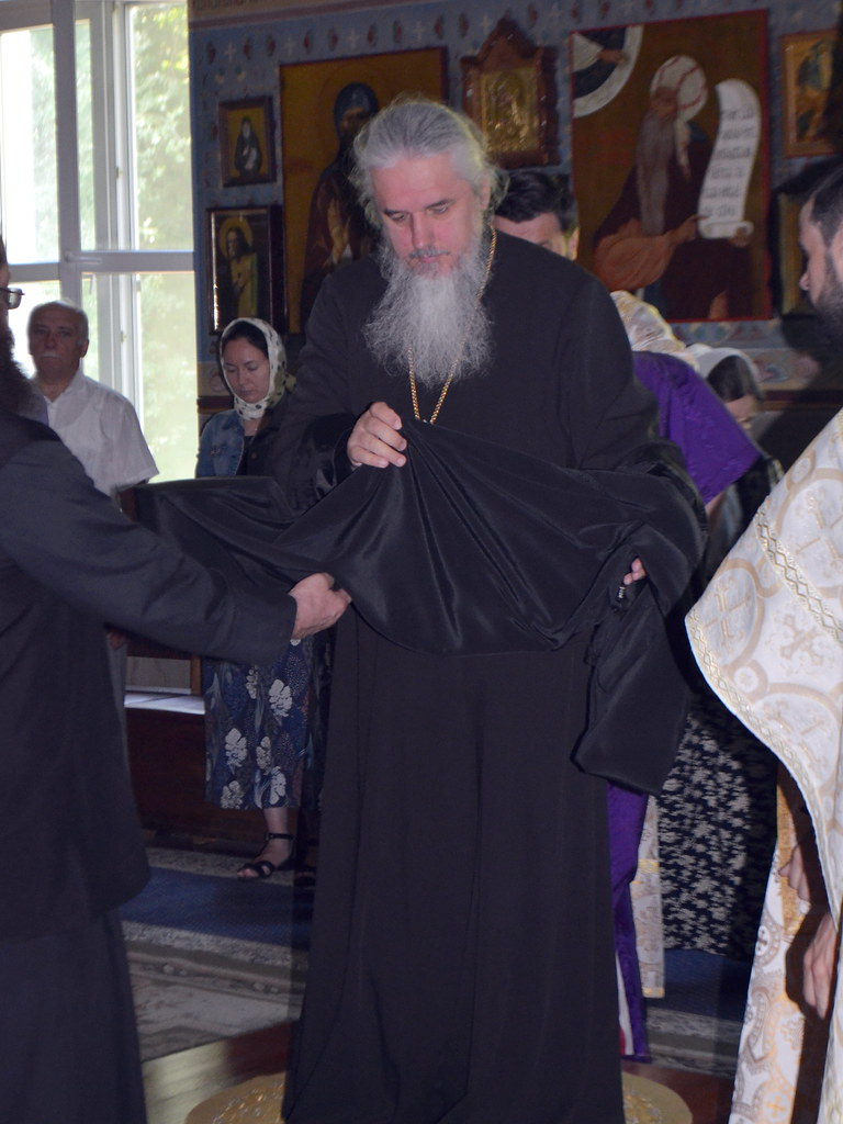 Хиротония монаха Парфения за Божественной литургией