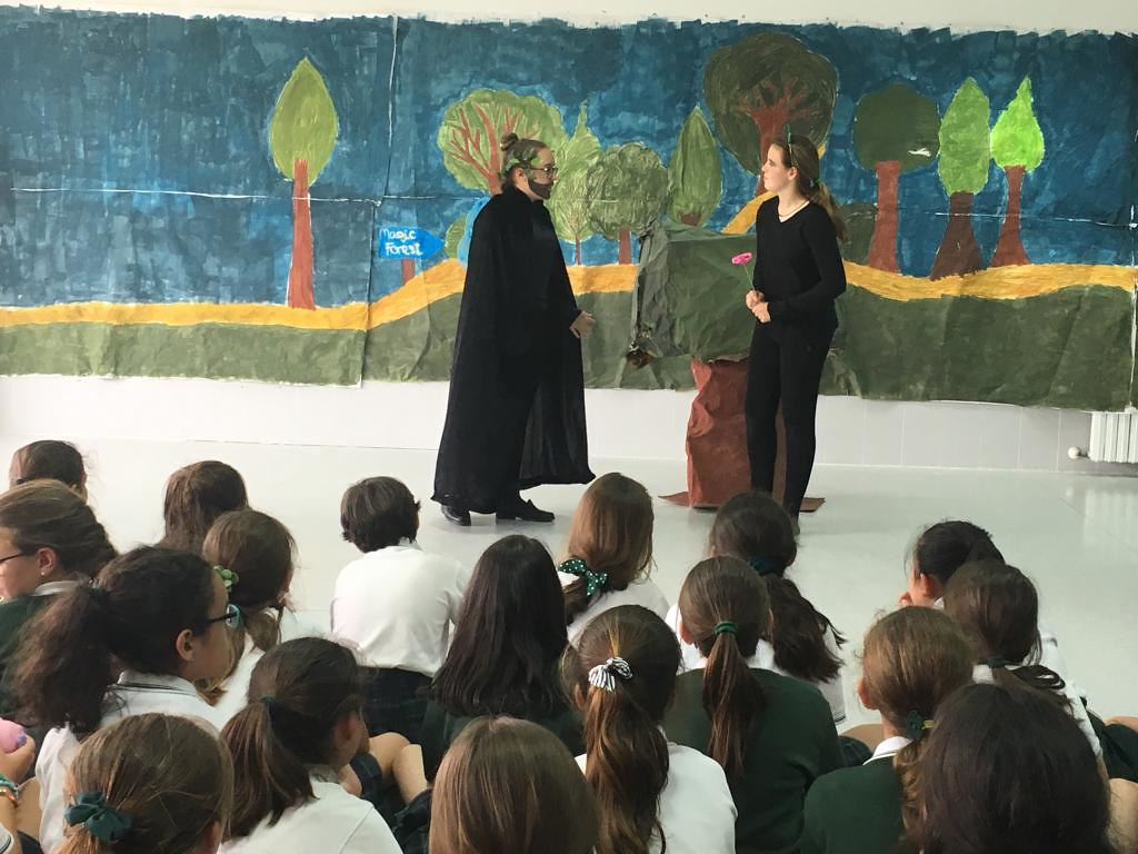 "Shakespeare. Adaptación de ""Midsummer dream"" 2ºESO en Complementaria Fine Arts"