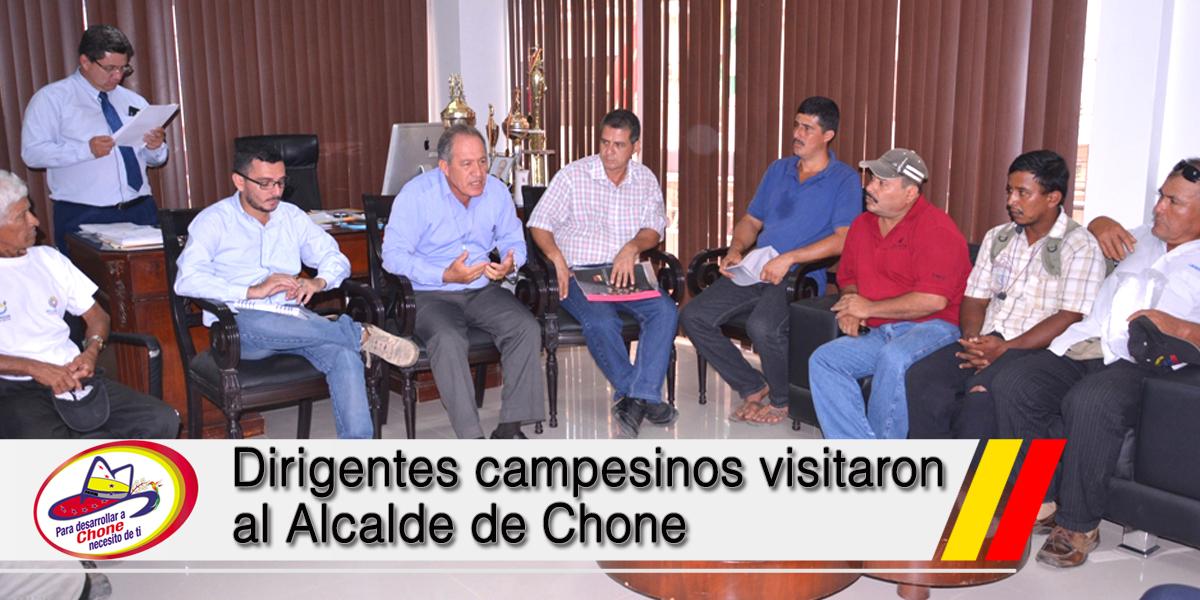 Dirigentes campesinos visitaron al Alcalde de Chone