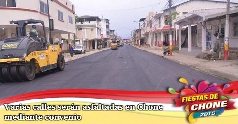 Varias calles serán asfaltadas en Chone mediante convenio