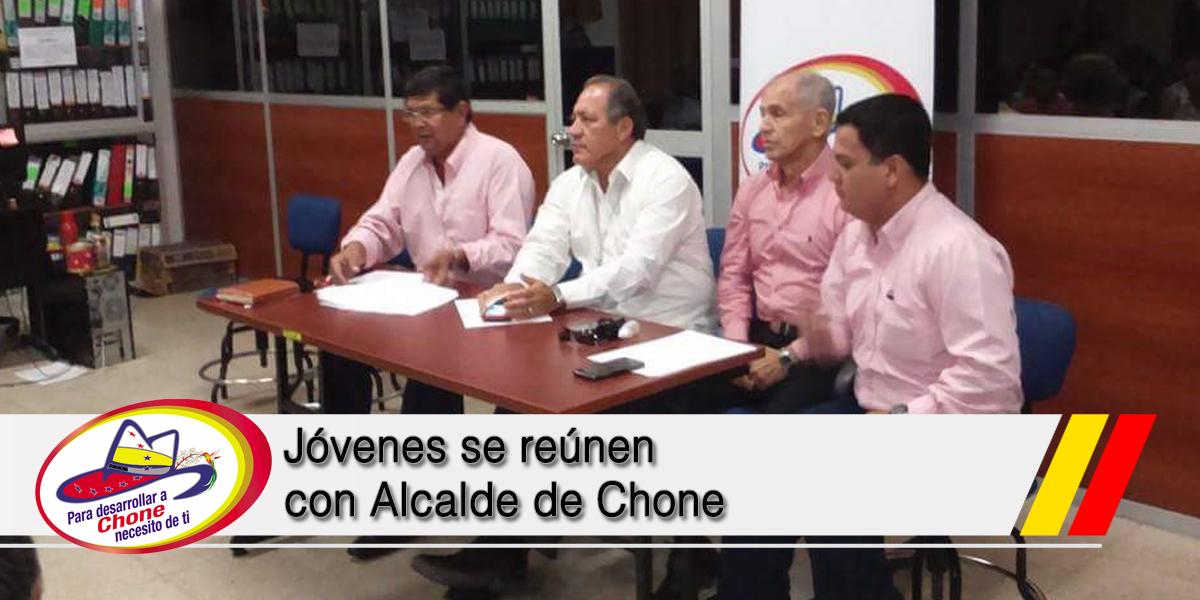 Jóvenes se reúnen con Alcalde de Chone