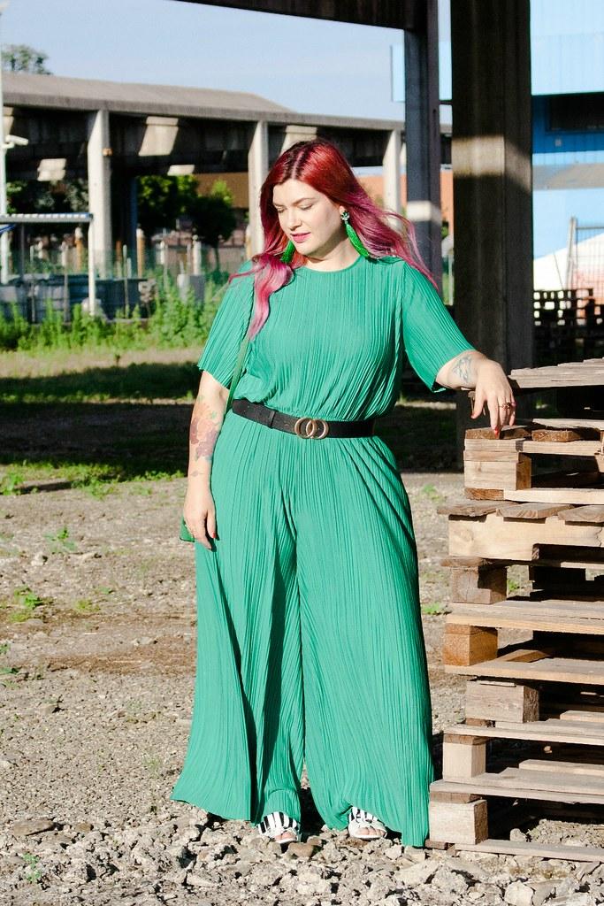 Outfit plus size tuta monki verde e blaze bianco (3)