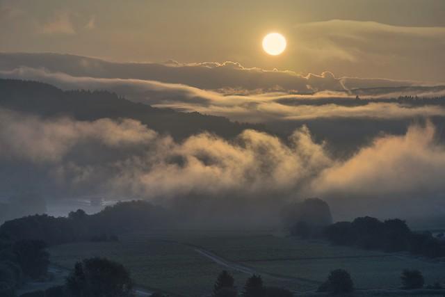 *Moselle landscape @ Sunrise over fog*