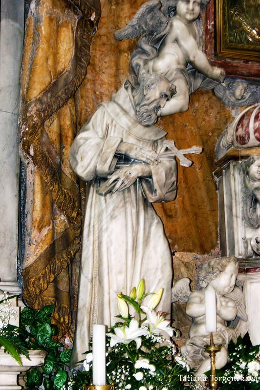 Скульптуры с алтаря церкви Св. Клары