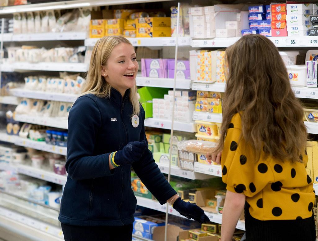 Tesco - Colleague helping customer